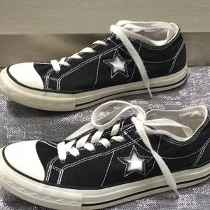 Converse All Star women's size 8 sneaker
